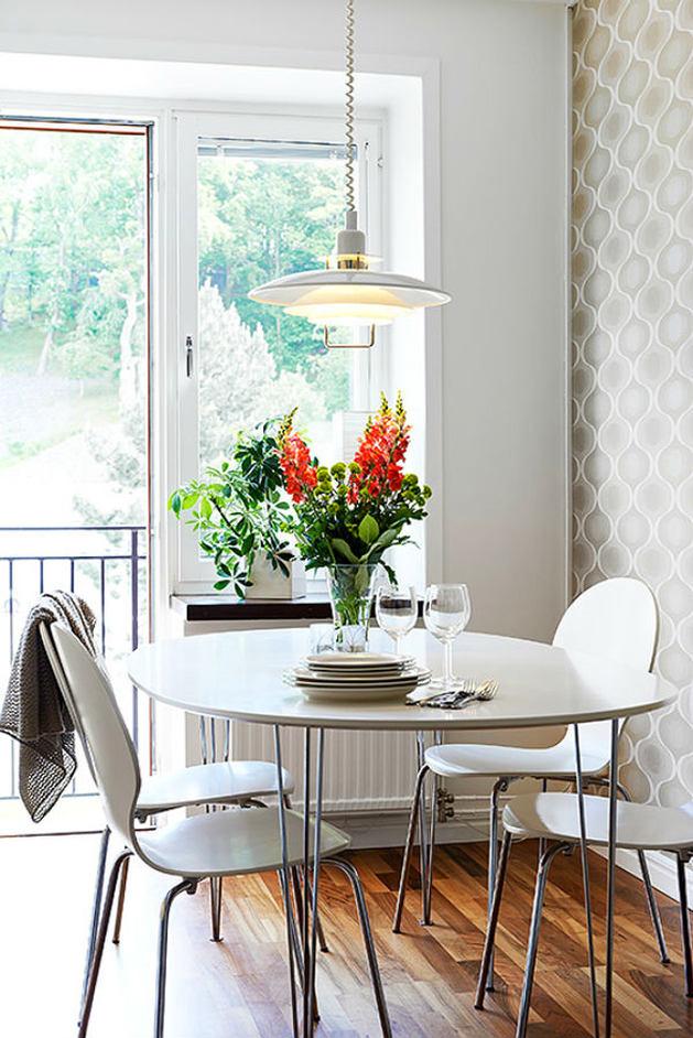 Кухня в цветах: серый, светло-серый, белый, коричневый. Кухня в стилях: минимализм, скандинавский стиль.
