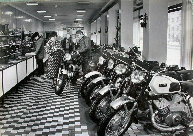 Почему в советских деревнях было много мотоциклов