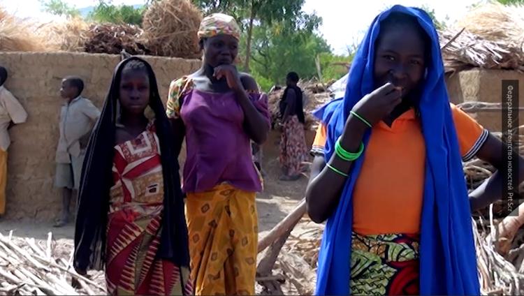 Жители лагеря для беженцев рассказали о террористах из «Боко Харам»