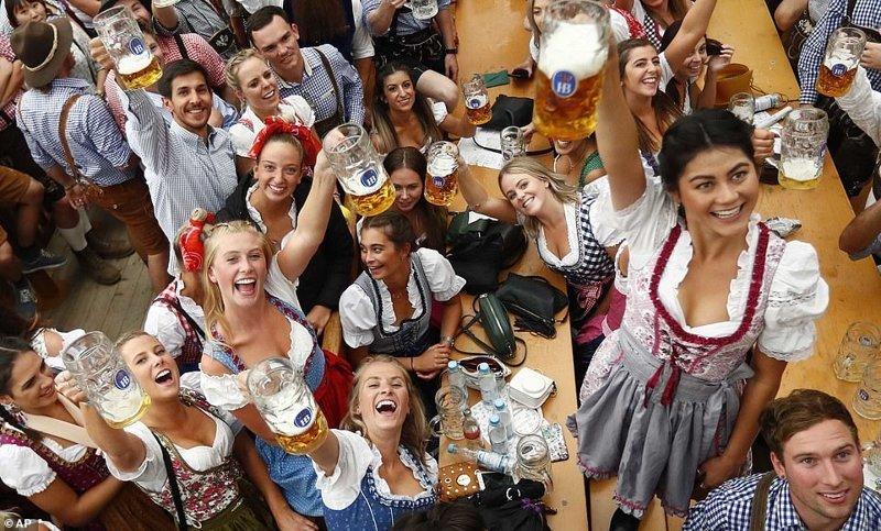 К счастью, с ней легко справиться ynews, бавария, гуляния, мюнхен, октоберфест, октоберфест 2018, пивной фестиваль, пиво
