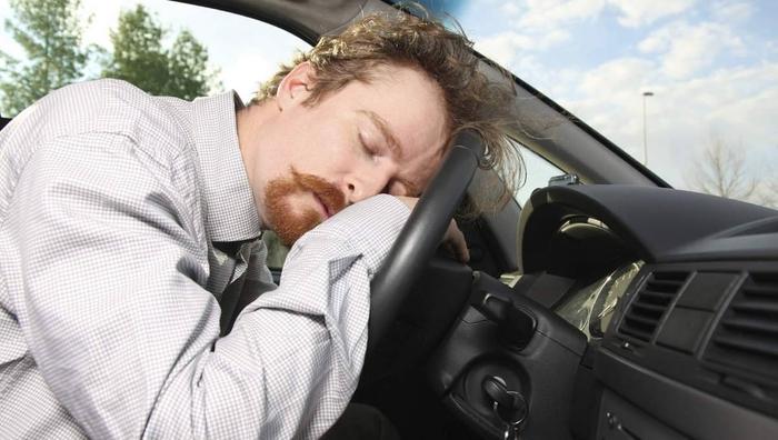 Шпаргалка для водителей: как ездить по ночной трассе