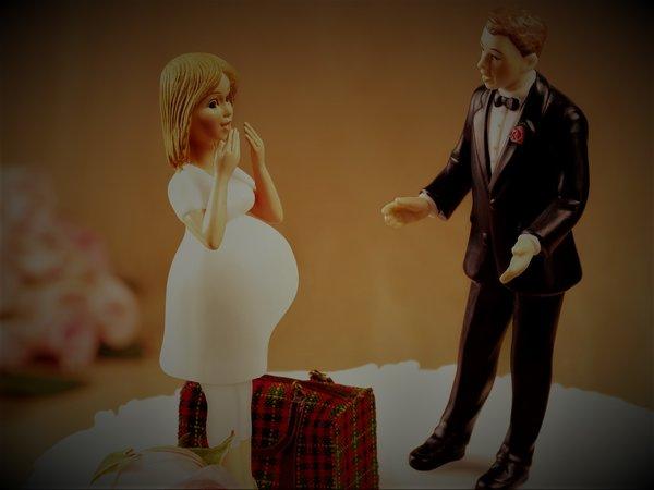 Ребенок от бывшего, а муж не…
