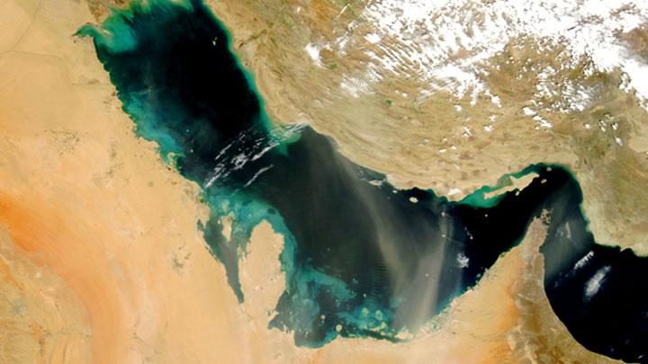 Кто и зачем топит танкеры у берегов Ирана