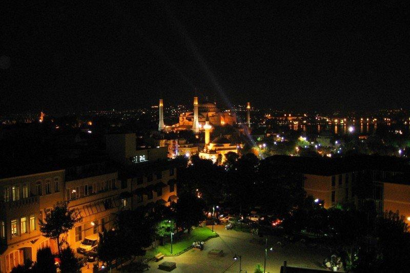 Ночной Стамбул (9 фото)