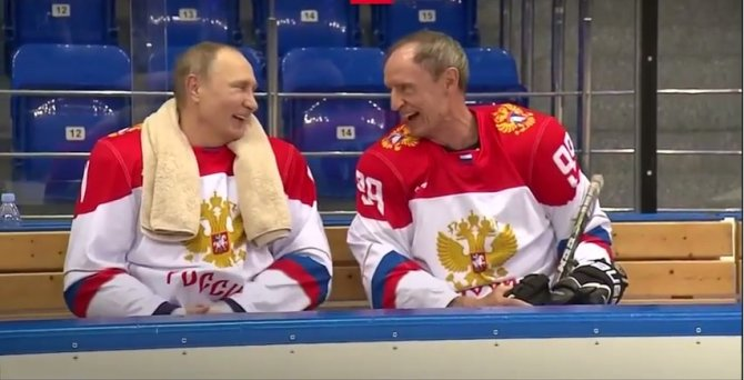 Путин сыграл в хоккей с поче…