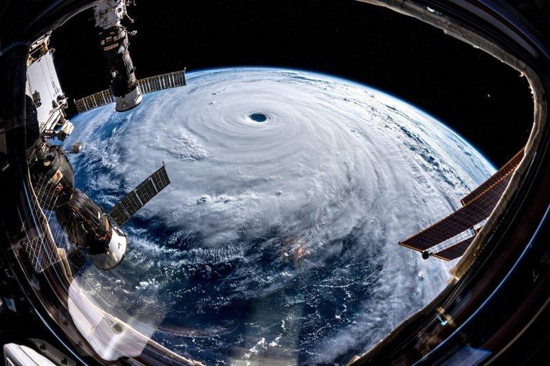 Астронавт показывает жителям Земли невероятную красоту космоса Земля из космоса, астронавт, космические фотографии, космос, красота, мкс, фото, фоторепортаж
