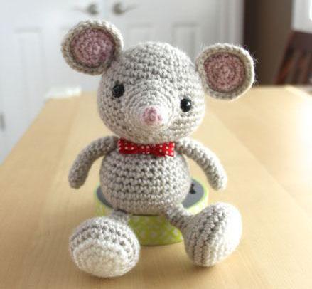 Забавная мышка амигуруми. Ма…