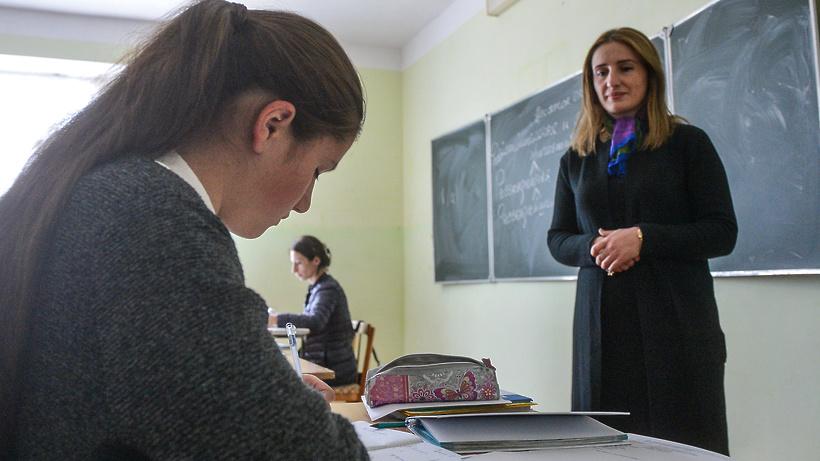 В Мособлдуме одобрили ФЗ о снижении документационной нагрузки на учителей
