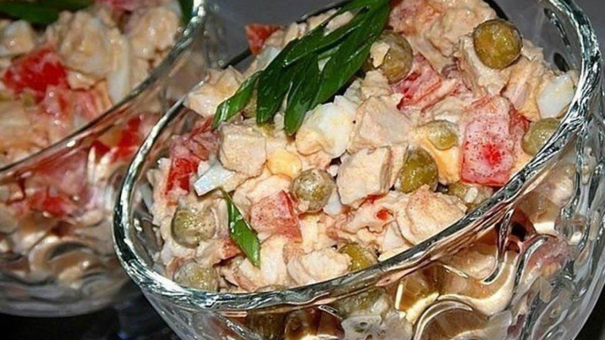 Лучшие салаты на праздничный стол: 5 простых рецептов рецепты,салаты