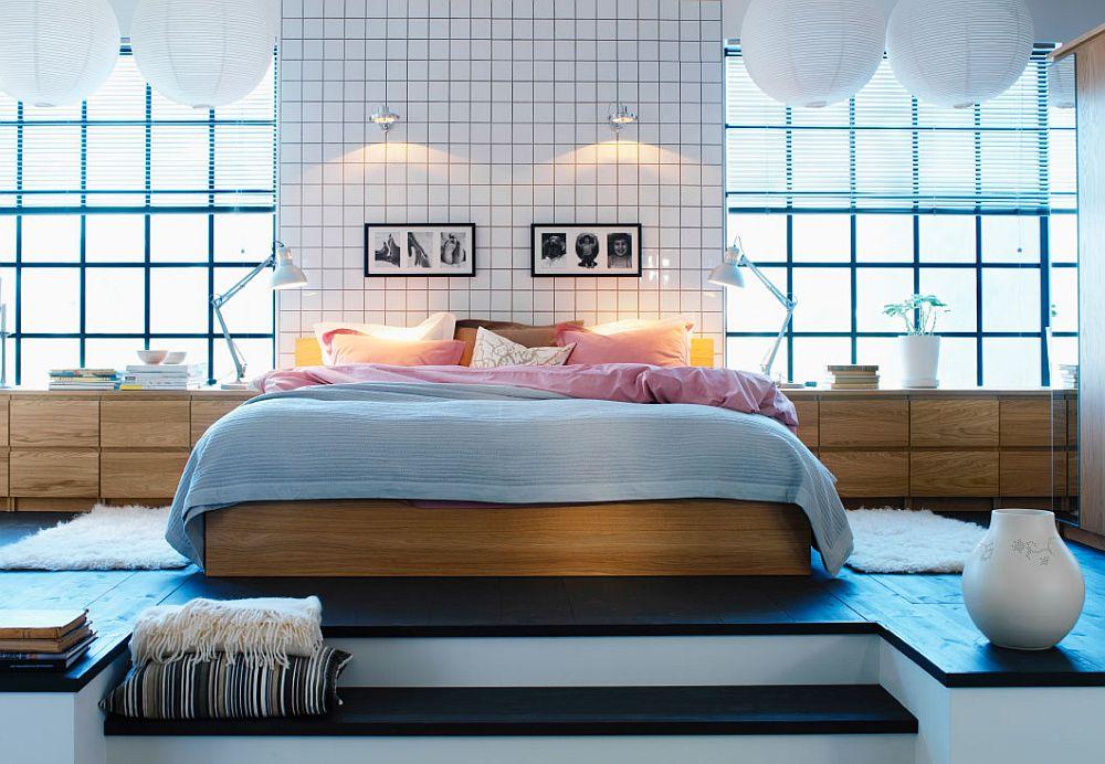 Белая плитка в дизайнерском интерьере спальни