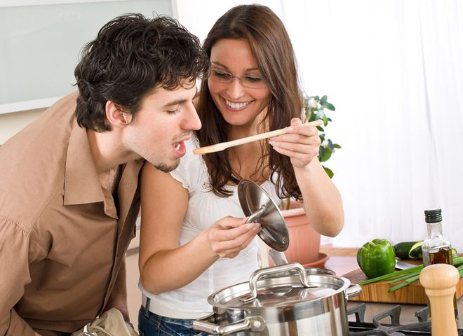 Чем кормить мужчину в разном возрасте?
