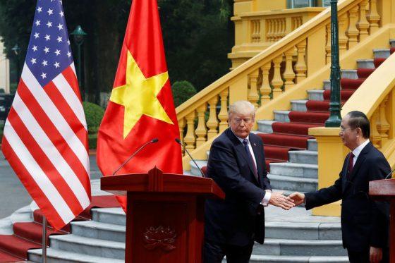 США и Вьетнам выступают за мирное решение споров в Южно-Китайском море