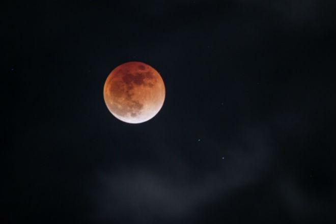 Китай создаст искусственную луну для освещения ночных городов культура