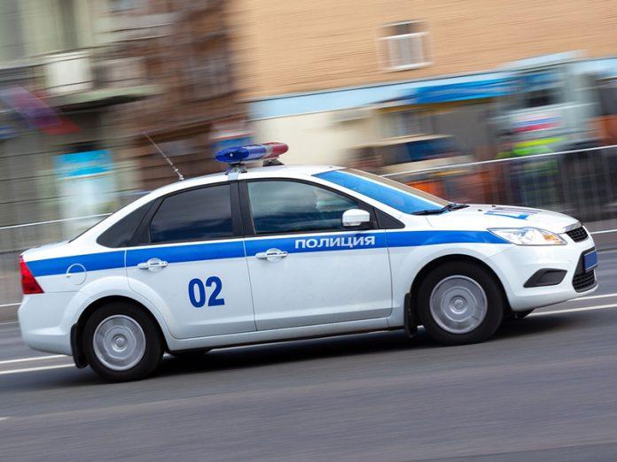 Полицейский гонится за бесша…