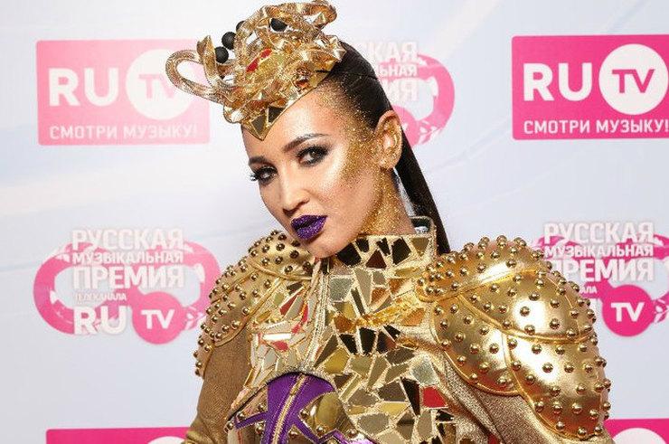 Маскарадный шабаш: Российские звезды, опозорившееся на музыкальное премии, на это больно смотреть