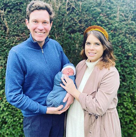 Принцесса Евгения опубликовала новое фото сына Артура Монархи,Британские монархи