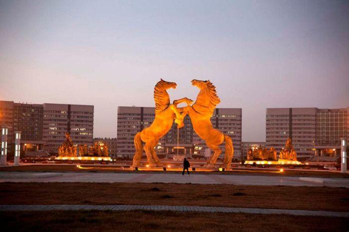Огромный «город-призрак», в котором есть всё, кроме жителей архитектура,город