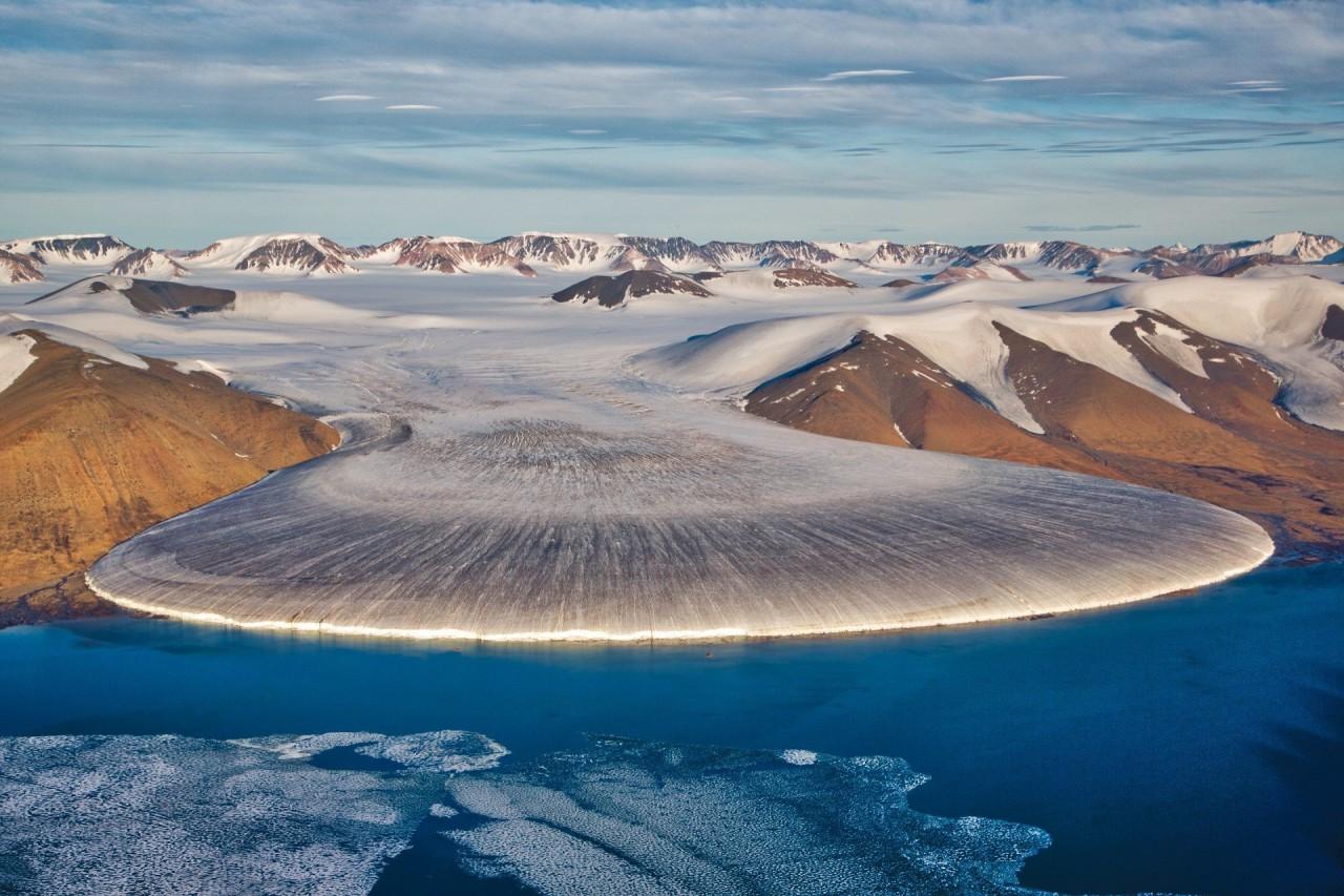 """Невероятный ледник Elephant Foot (""""Слоновья нога"""") в Гренландии. Длина """"ноги"""" в поперечнике - около 5 км красивые места, красота, ледник, ледники, природа, путешественникам на заметку, туристу на заметку, фото природы"""