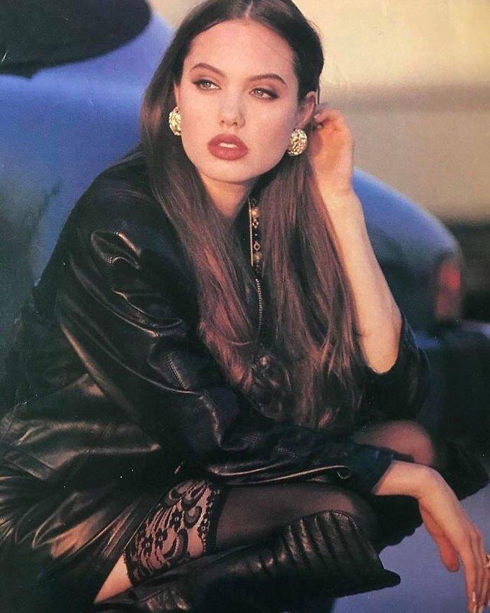 28. Анджелина Джоли Instagram, звезды, знаменитости, знаменитости в молодости, известные, редкие фото, селебрити, старые фото