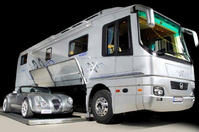 Автобус лучше городской квартиры: самые дорогие дома на колесах смотрим изнутри Культура