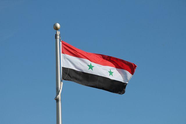 Сирийский флаг подняли над освобожденной от боевиков провинцией Дераа