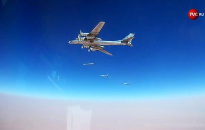 Опубликовано видео ударов ВКС России по объектам ИГ в Сирии