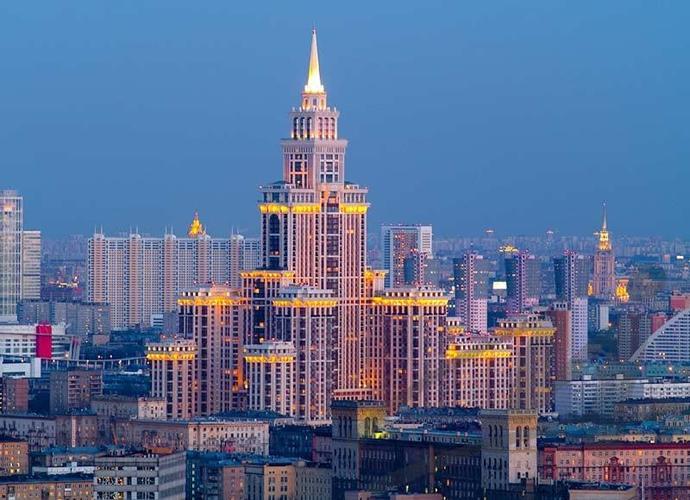 Московская семья спокойно может накопить на квартиру в новостройке почти за 10 лет