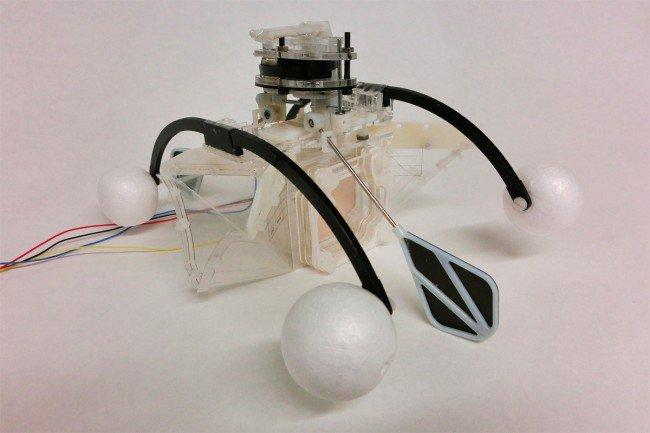 Плавающий робот получает энергию, глотая грязную воду