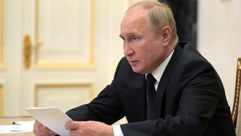 Путин назвал рост дохода граждан главной задачей в России Политика