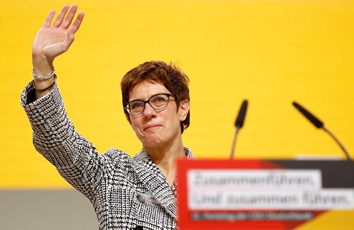 Главой ХДС стала преемница Меркель — Аннегрет Крамп-Карренбауэр. Что это значит для России?