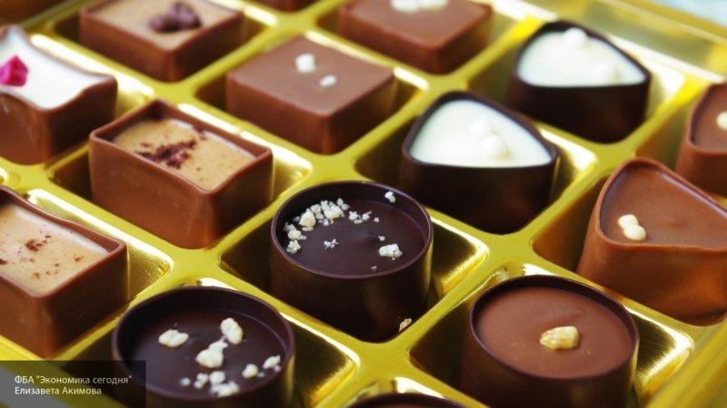 Роспотребнадзор признал шоколадные конфеты лучшим наполнителем для сладких новогодних подарков