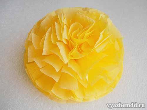 Цветок из бумажной салфетки