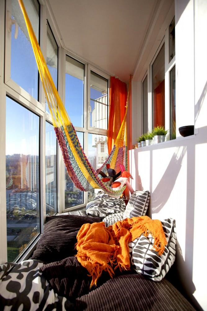 Балкон, веранда, патио в цветах: серый, светло-серый, белый, бежевый. Балкон, веранда, патио в .