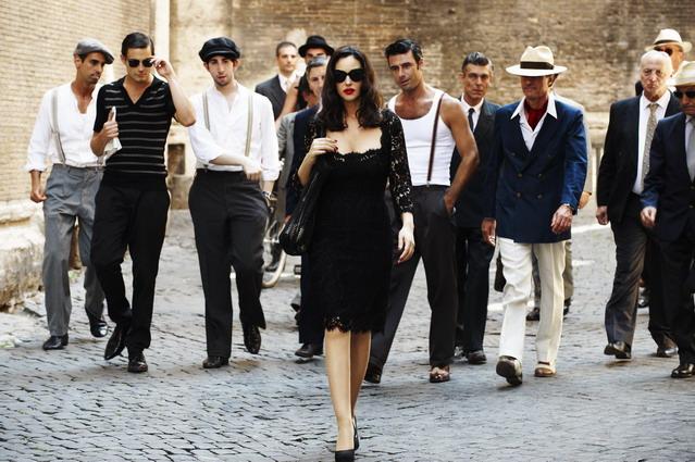 Сколько мужчин должно быть у современной женщины, как вы думаете?