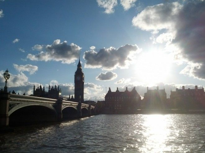 https://files.adme.ru/files/news/part_165/1650565/8335965-Sunny_day_at_London_-_May_2012_-_panoramio-1511094232-650-32de3c2e09-1513685244.jpg