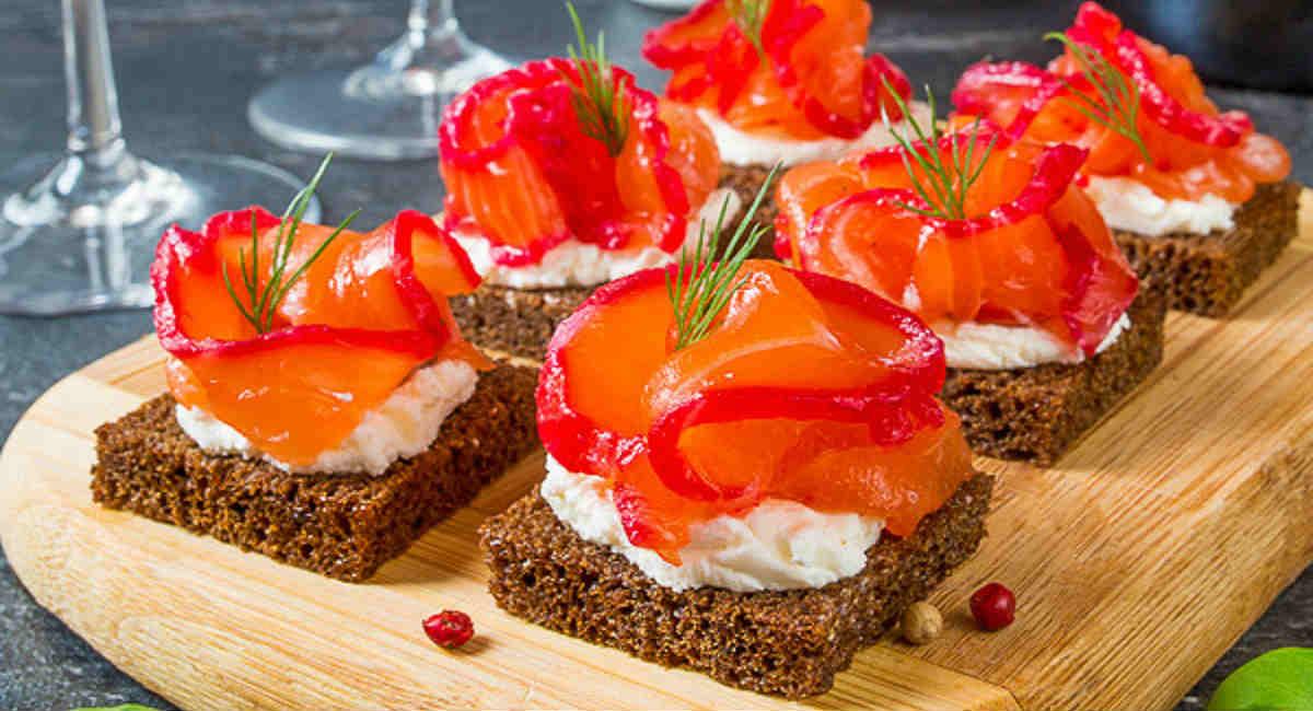 Праздничные рыбные бутерброды: 4 примера готовим дома,новогодние блюда