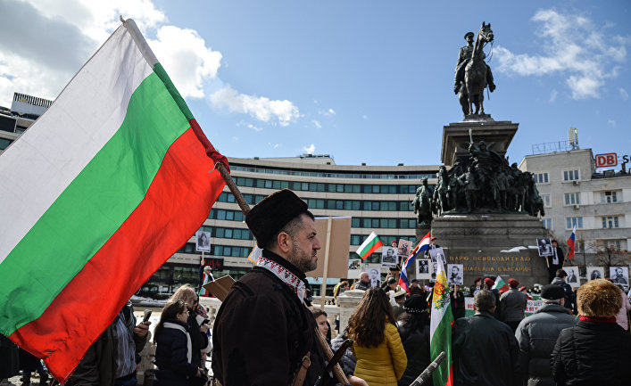 Факти : если улица победит, мы окажемся под евразийским каблуком Политика
