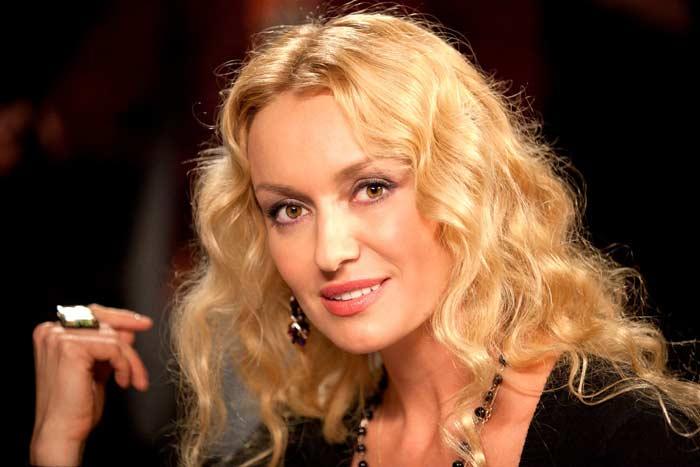 Помните Анну Петровну из сериала «Доярка из Хацапетовки»? Посмотрите, что случилось с актрисой