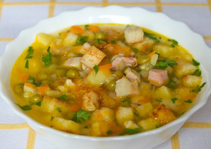 Гороховый суп с копчёностями
