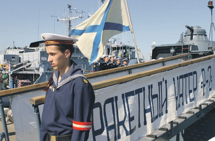Истории из жизни : Не стреляйте в офицера флота, он еще не утонул!
