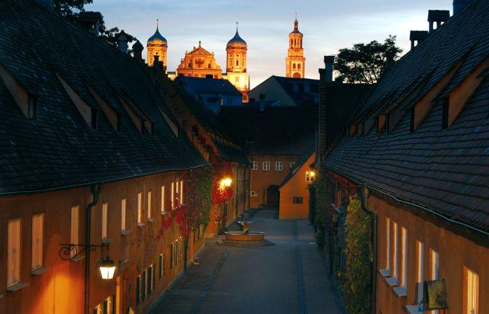 Почему жильё в баварском Фуггерае стоит 1 евро в год, но поселиться там могут далеко не все