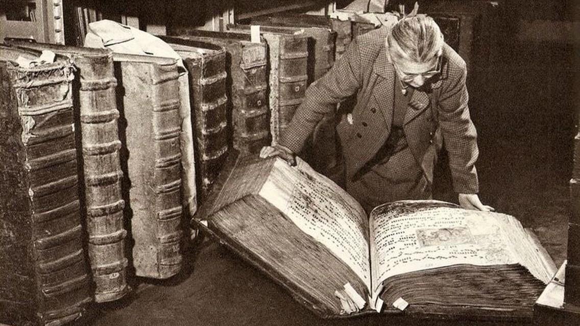 10 известных книг, которые на самом деле оказались фальшивкой