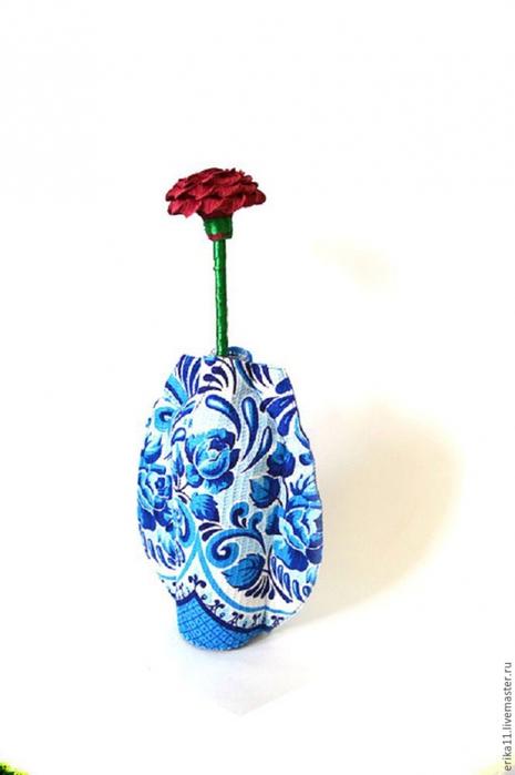 Ваза для цветов из пластиковой бутылки