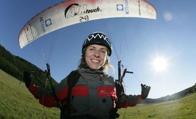 Женщину на параплане ветер поднял на 10 км в температуру минус 60, и она оставалась там 40 минут Культура