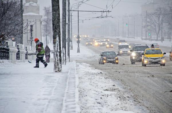 Москву накроет волна арктического холода: рекордные снегопады сменятся сильными морозами