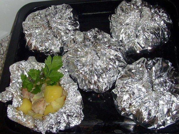 Сочное и ароматное мясо с картошкой, запеченное в фольге