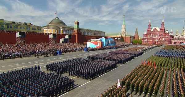 Нужен ли нам ежегодный Парад Победы? россия