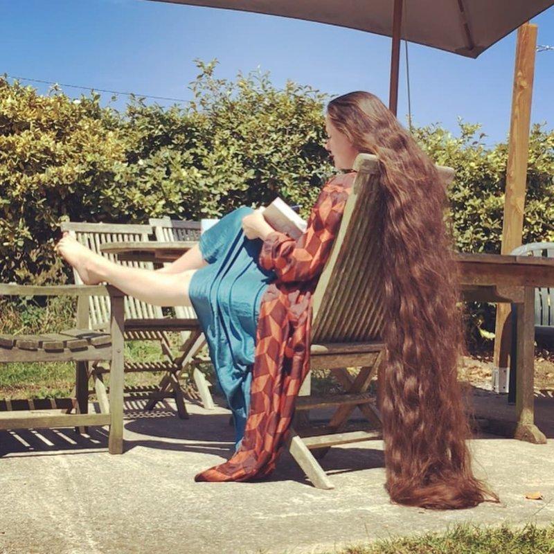 Как признаётся сама художница, первые пару месяцев голова была грязной и постоянно чесалась Фрэнки Клуни, в мире, волосы, люди, рапунцель, уход