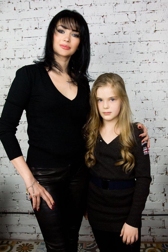 Единственная дочь Александра Абдулова становится все больше похожей на знаменитого отца