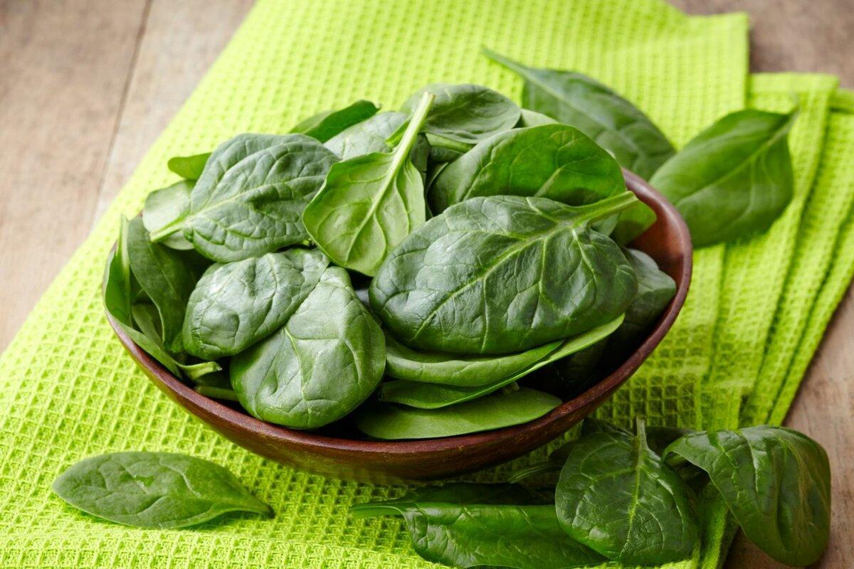 Как обычное растение помогает бороться с раком? И еще 16 полезных свойств шпината